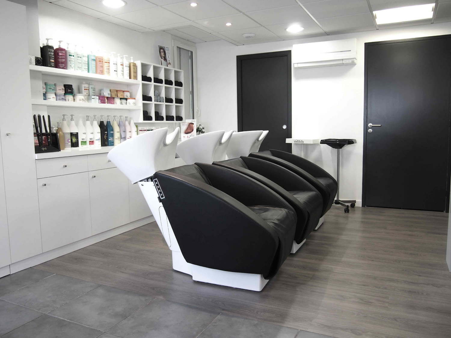 R novation et d coration int rieure salon de coiffure - Decoration d interieur salon ...