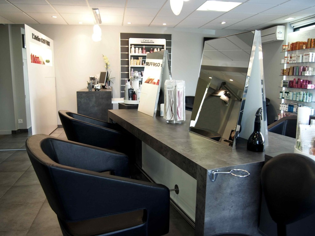 R novation et d coration int rieure salon de coiffure for Decoration interieur salon de the