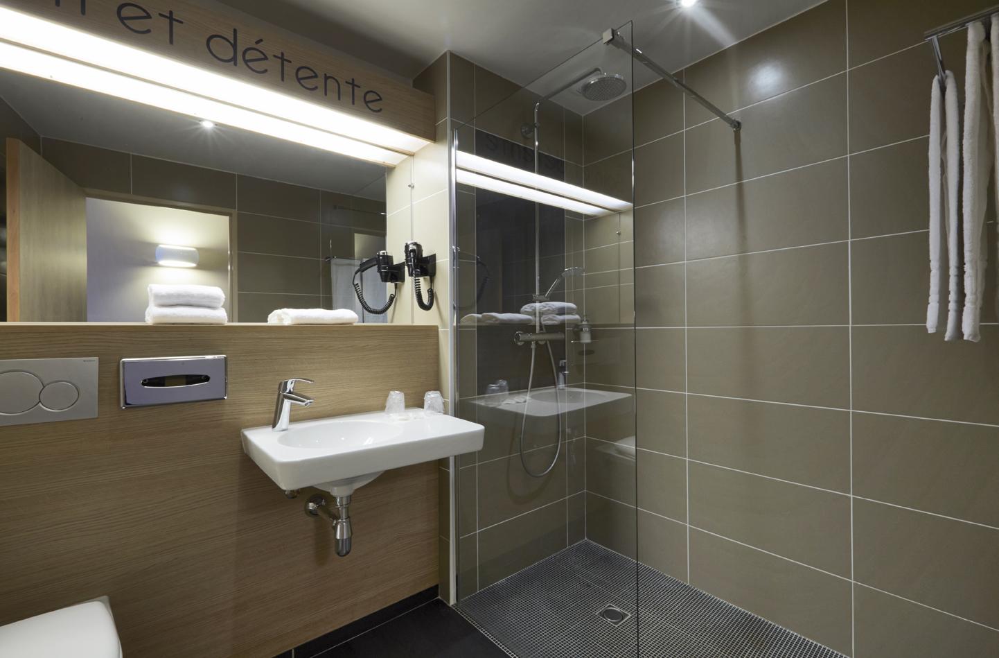 hotel kyriad angers beaucouze - géraldine fourny - decoratrice d interieur nantes 44 - décoration hotel 4