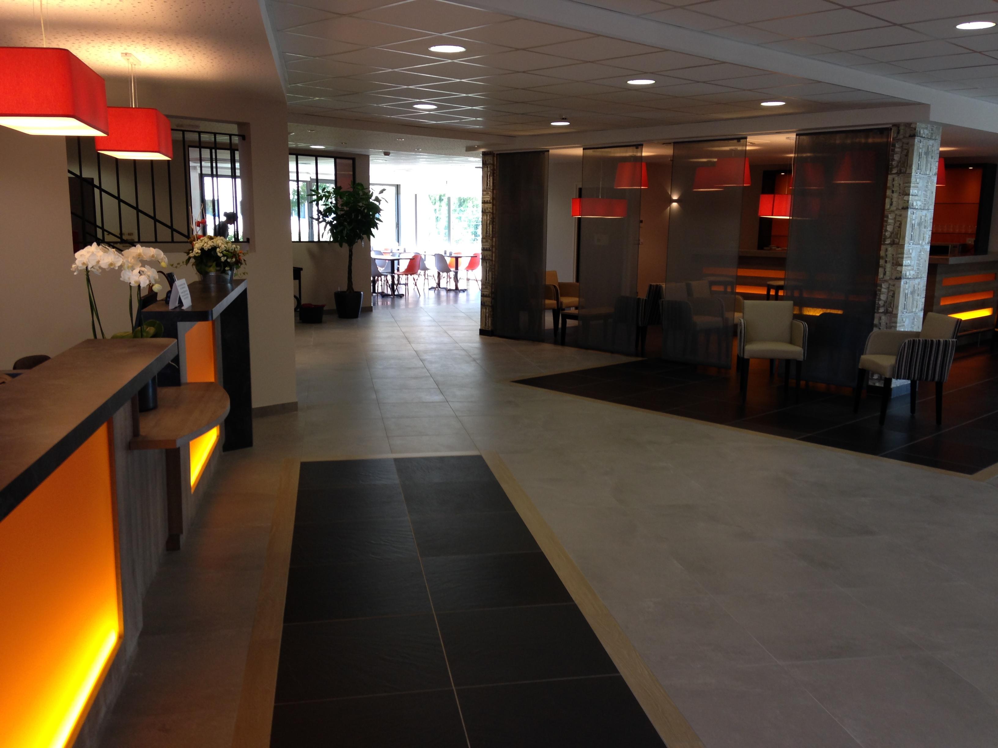 hotel kyriad angers beaucouze - géraldine fourny - decoratrice d interieur nantes 44 - réception 3